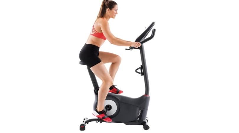 maquina estatica de hacer ejercicio
